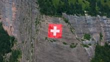 Schweizerfahne über Vitznau (LU)